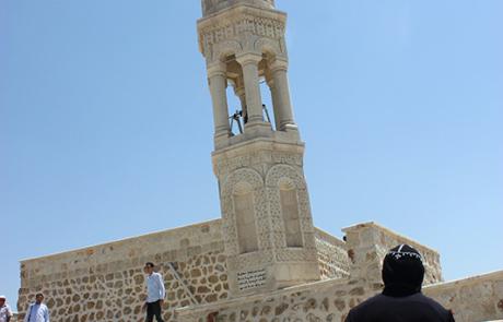 Mor Ya'qub Qarnos klocktorn